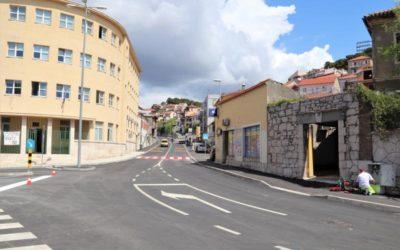 Prijevremeni završetak radova u Ulici kralja Zvonimira kao simbolični početak postupne normalizacije života u gradu