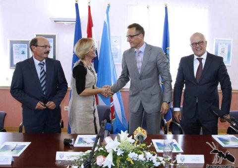 vodice-potpisivanje-ugovora-jakovina-2